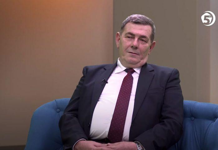 Televizija 5: Razgovor s povodom - Halim Husić, prof., pomoćnik direktora za nastavu