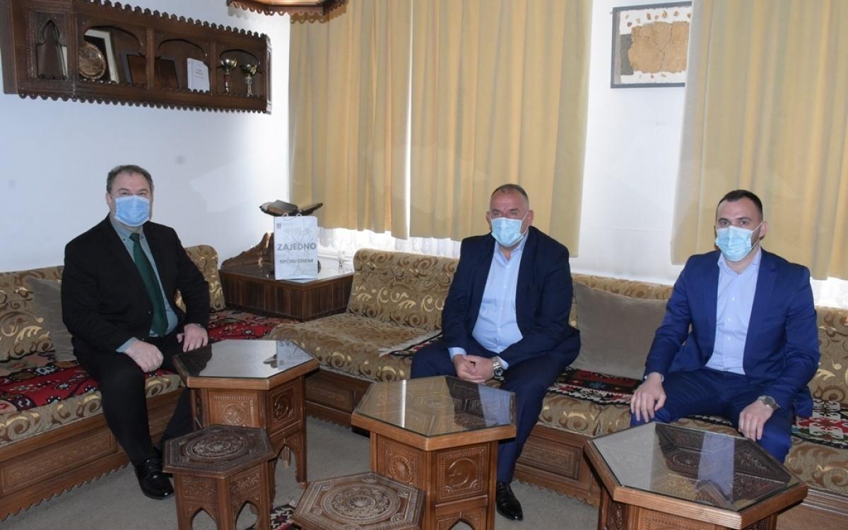 Predsjedavajući Općinskog vijeća Općine Centar Sejad Đozo posjetio Gazi Husrev-begovu medresu